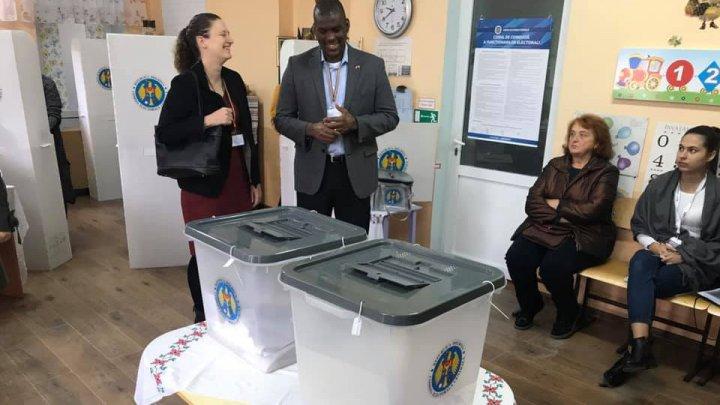 #ALEGEPUBLIKA. Ambasada SUA la Chișinău monitorizează scrutinul (FOTO)