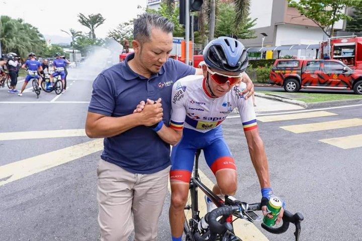 Succes răsunător pentru Cristian Răileanu. Ciclistul moldovean a câştigat a cincea și ultima etapă a Turului Peninsular (FOTO)