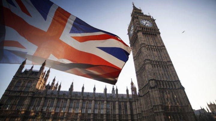 Marea Britanie va opri libera circulaţie a cetăţenilor UE şi pregăteşte un sistem de imigraţie pe bază de puncte