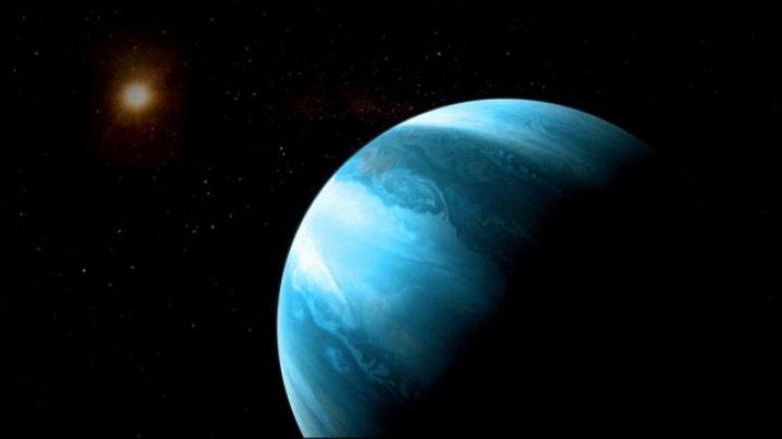 Astronomii au descoperit o planetă-gigant care NU ar trebui să existe