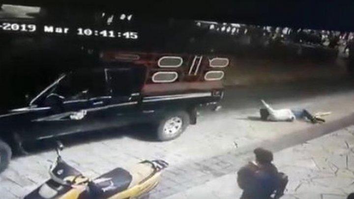 Primarul unui oraş din Mexic, legat de un camion și târât pe străzi de cetăţeni. Care este motivul (VIDEO)