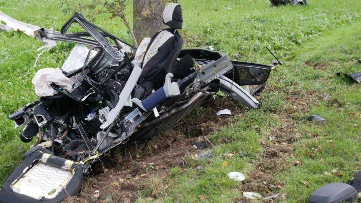 Hyundai i30, rupt în bucăţi într-un accident cumplit. Şoferul a murit pe loc