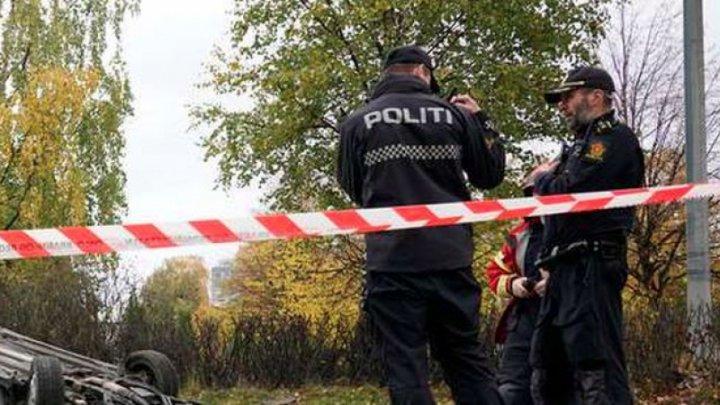 ALERTĂ în Norvegia: Un bărbat înarmat a furat o ambuulanţă și a intrat în mulțime