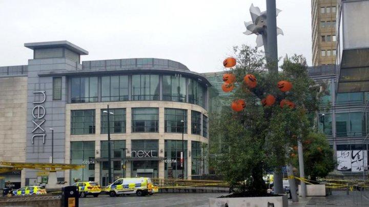Cinci oameni, înjunghiați în timp ce se aflau la cumpărături într-un oraş din Marea Britanie. Vezi cum a fost reţinut suspectul (VIDEO)
