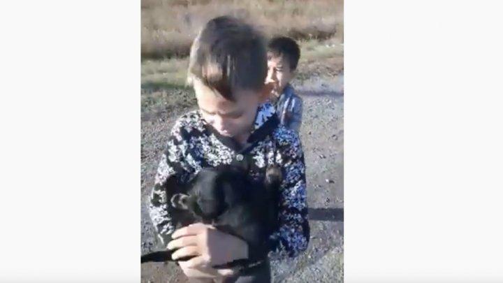 De râs şi de plâns. PERIPEŢIA a doi copii i-a lăsat pe toţi fără cuvinte (VIDEO)