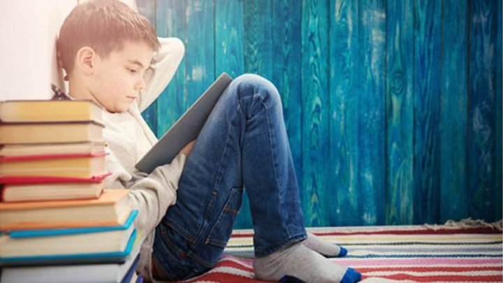 Bine de ştiut! Cum influențează cititul dezvoltarea emoțională și cognitivă a copiilor