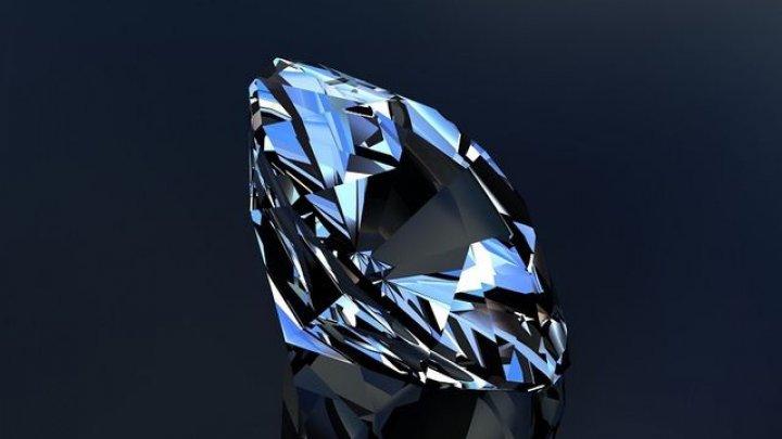 Unul dintre cele mai rare diamante din lume de 102 carate ar putea fi vândut la licitaţie cu 30 de milioane de dolari