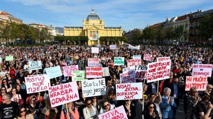 Proteste de amploare în Croația, după eliberarea a cinci bărbați acuzați că au violat o fată de 15 ani