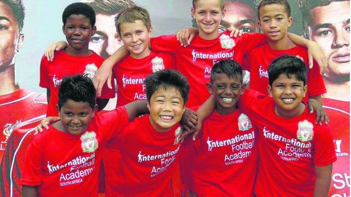 CONCERTUL MICILOR SUPORTERI. O mie de copii au cântat despre FC Liverpool