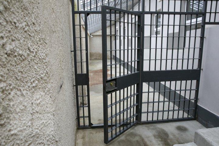La Hânceşti a fost deschis primul izolator de detenţie provizorie din ţară (FOTOREPORT)