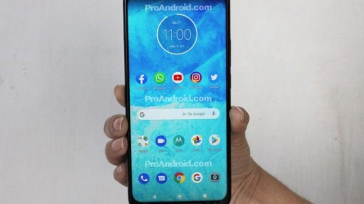 One Hyper ar putea fi primul smartphone Motorola echipat cu cameră foto retractabilă
