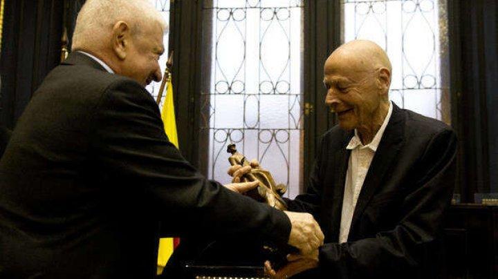 Un scriitor francez a fost recompensat cu premiul Franz Kafka pentru literatură pe 2019