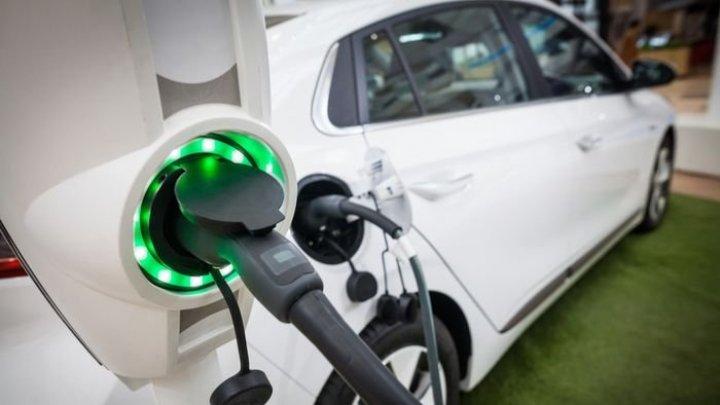 Maşinile electrice ar putea fi încărcate în doar 10 minute, datorită unei baterii dezvoltate de nişte ingineri din SUA