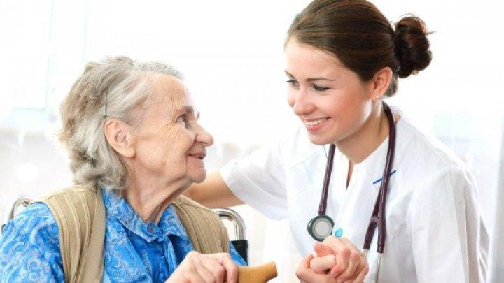 RAPORT: Doar 8 la sută din bolnavii incurabili din Moldova beneficiază de îngrijiri paliative