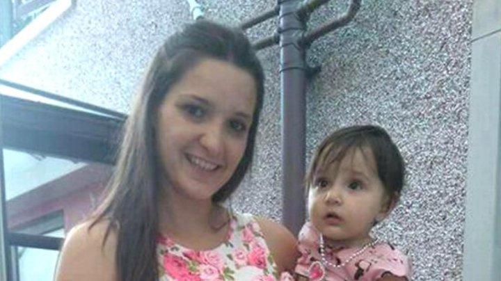 O mamă a fost înjunghiată de 27 de ori, dar și-a salvat fetița din flăcările care cuprinseseră casa