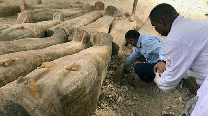 Cea mai mare descoperire din ultimii ani: 20 de sarcofage în stare foarte bună