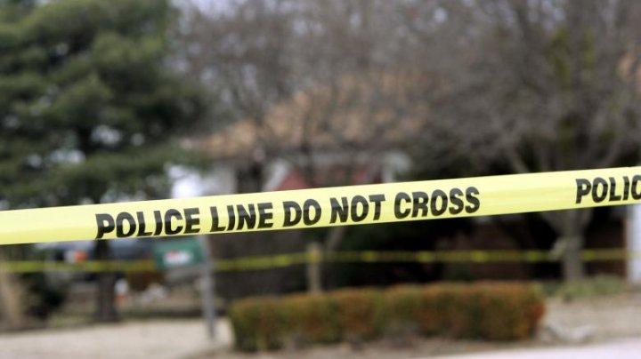 Patru persoane, ucise într-un bar din Kansas. Poliția nu a prins criminalul