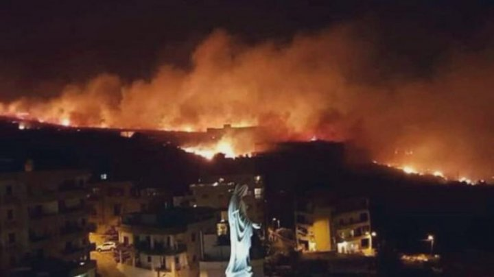 Peste 100 de incendii de proporţii devastează Libanul