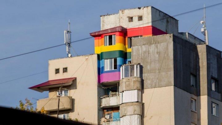 În culori frumoase. Câteva apartamente din Bălţi, colorate în nuanţele curcubeului (FOTO)