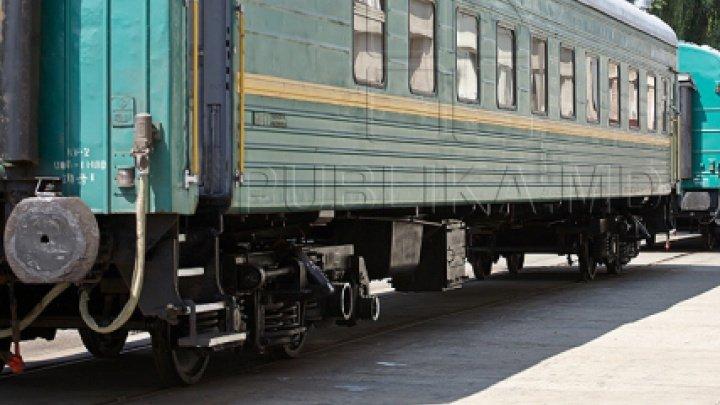 Descoperirea făcută de vameşi în două trenuri de pe ruta Moscova-Chișinău. Ce riscă cinci însoțitori de vagon