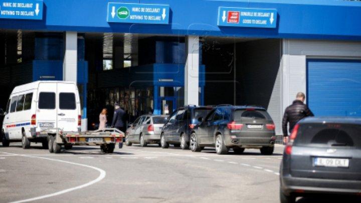 Descoperirea făcută de vameşii de la Leuşeni în bagajul unui moldovean, pasager într-un microbuz care venea din Germania