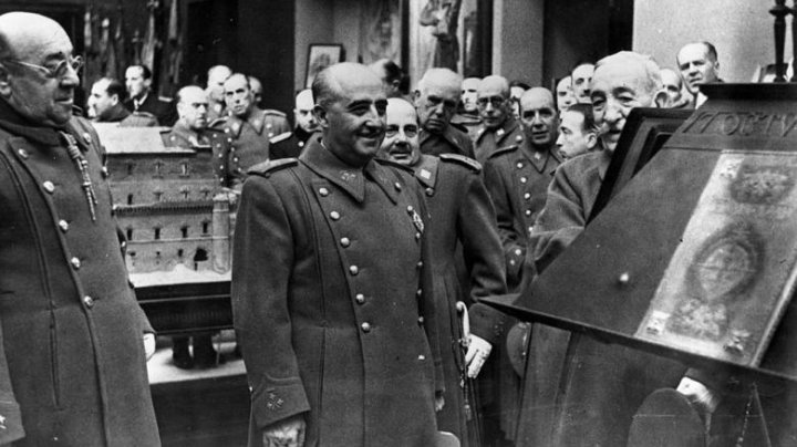 Spania va exhuma rămășițele fostului dictator Franco, pentru a le muta dintr-un mausoleu într-un cimitir de stat