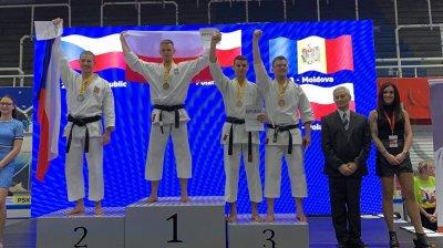 KARATE-DO, UN MOD DE VIAŢĂ. Lotul naţional a revenit acasă cu șapte medalii de la europene