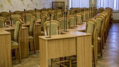 Unii membri ai CMC nu sunt gata să renunţe la indemnizația pentru participare la şedinţele organului deliberativ. Cum motivează