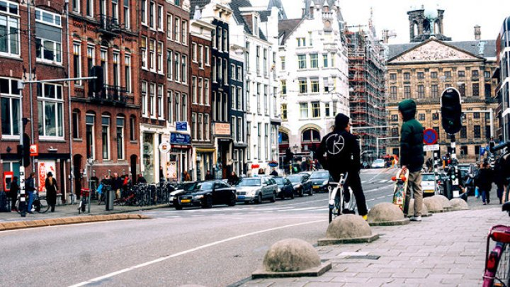 Olanda: Persoanele care primesc ajutoare sociale să fie obligate prin lege fie să munceasă, fie să înveţe