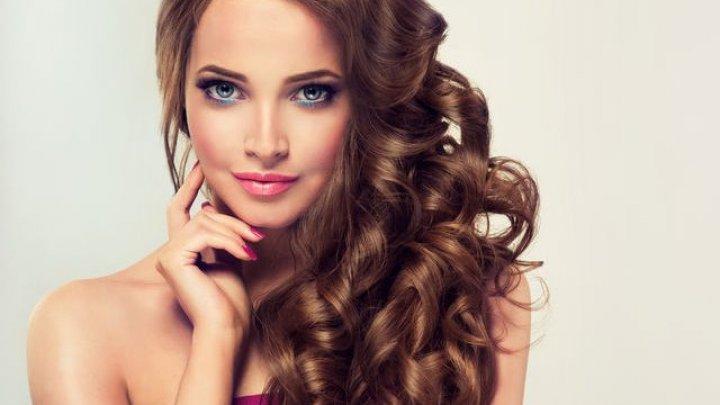 Vopsirea părului când ai psoriazis: 8 lucruri de care trebuie să ții cont