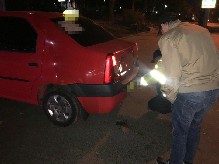 Zeci de taximetriști din Capitală au fost prinși BEȚI și FĂRĂ PERMIS la volan (FOTO)