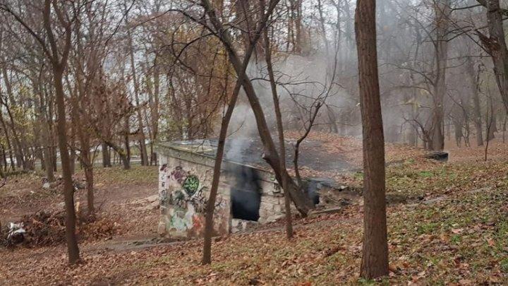 Incendiu într-un subsol din Parcul Valea Morilor din Capitală. Un bărbat a fost găsit fără suflare