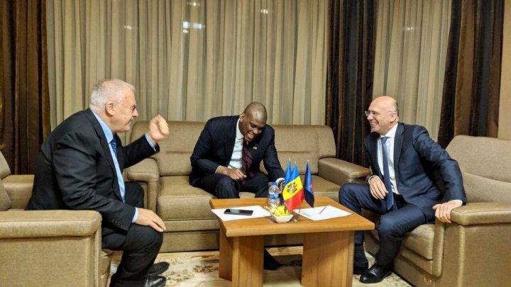 Democraţii Filip şi Diacov s-au întâlnit cu Ambasadorul SUA, Hogan. Ce au discutat oficialii