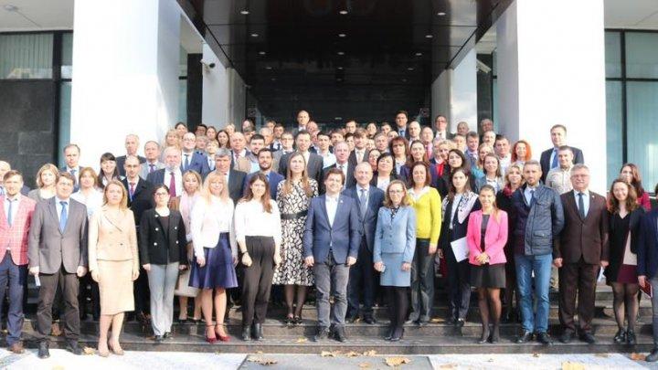 Ministrul demis Nicu Popescu se laudă cu realizările Guvernului Filip
