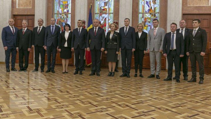 Moldova are un nou Guvern, condus de Ion Chicu. Cabinetul de miniştri a depus jurământul (VIDEO/FOTO)