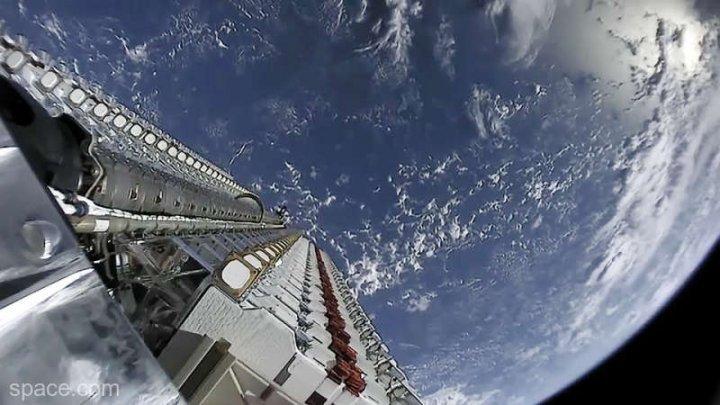 """Savanții reclamă """"o amenințare la adresa astronomiei"""" din partea sateliților Starlink lansați de SpaceX"""