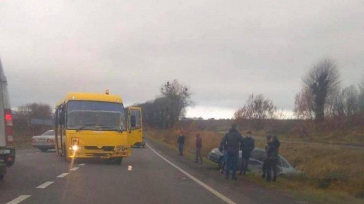 Cel puţin 10 copii au fost răniţi în drum spre şcoală, în regiunea Lvov din Ucraina