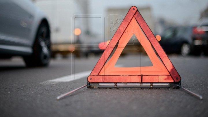 CEAŢA face RAVAGII. Accident la intrarea în Stăuceni. Poliţia, la faţa locului