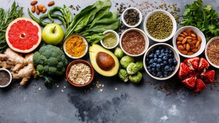 Sfaturi utile! Alimentele pe care nu trebuie să le mai consumi după 40 de ani