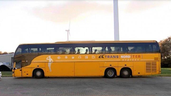 (VIDEO) Cum arată autocarul în care se aflau cei 65 de moldoveni reţinuţi în Olanda