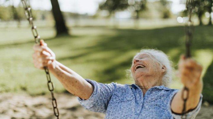 Ce să faci ca să trăiești mult? Sfaturile controversate ale celor care au depăşit vârsta de 100 de ani