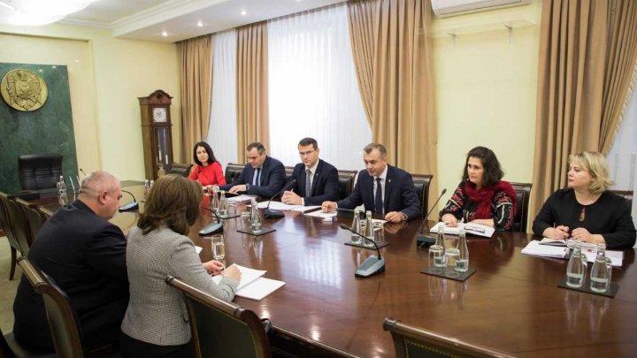Proiectele de investiții în infrastructura rutieră și cea energetică, discutate de Ion Chicu cu șefa biroului BERD din Moldova