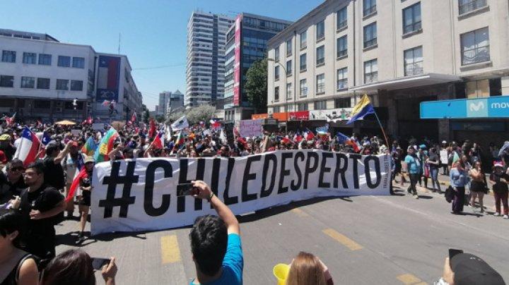 Proteste violente în Chile: Sute de persoane au fost rănite şi peste 1.000 arestate