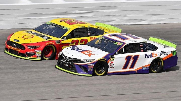 Nicio cursă fără incidente la NASCAR! Cinci piloţi, nevoiţi să abandoneze a etapa a treia a play-off-ului