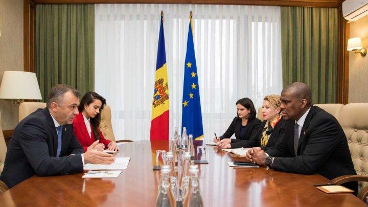 Premierul Ion Chicu s-a întâlnit cu ambasadorul SUA, Dereck J. Hogan (FOTO)