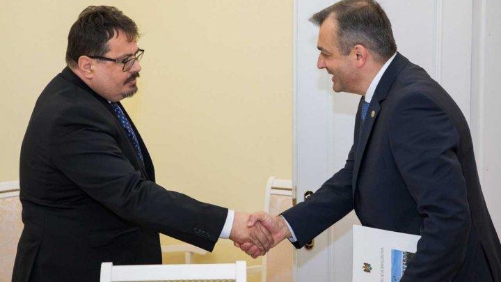 Întrevederea premierului cu Șeful Delegației UE: Guvernul are voința și capacitatea pentru a continua implementarea Acordului de Asociere