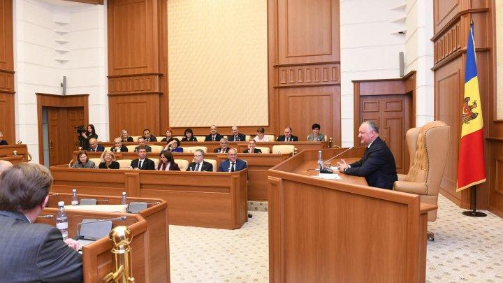 Igor Dodon a anunţat ce a discutat cu ambasadorii, la Preşedinţie