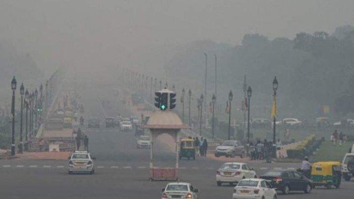 Stare de urgență! În New Delhi au fost distribuite 5 MILIOANE de măști
