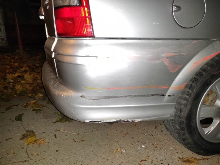 Adevărat pericol la volan. Un şofer în stare de ebrietate a provocat un accident şi a încercat să fugă de la locul faptei (FOTO/VIDEO)