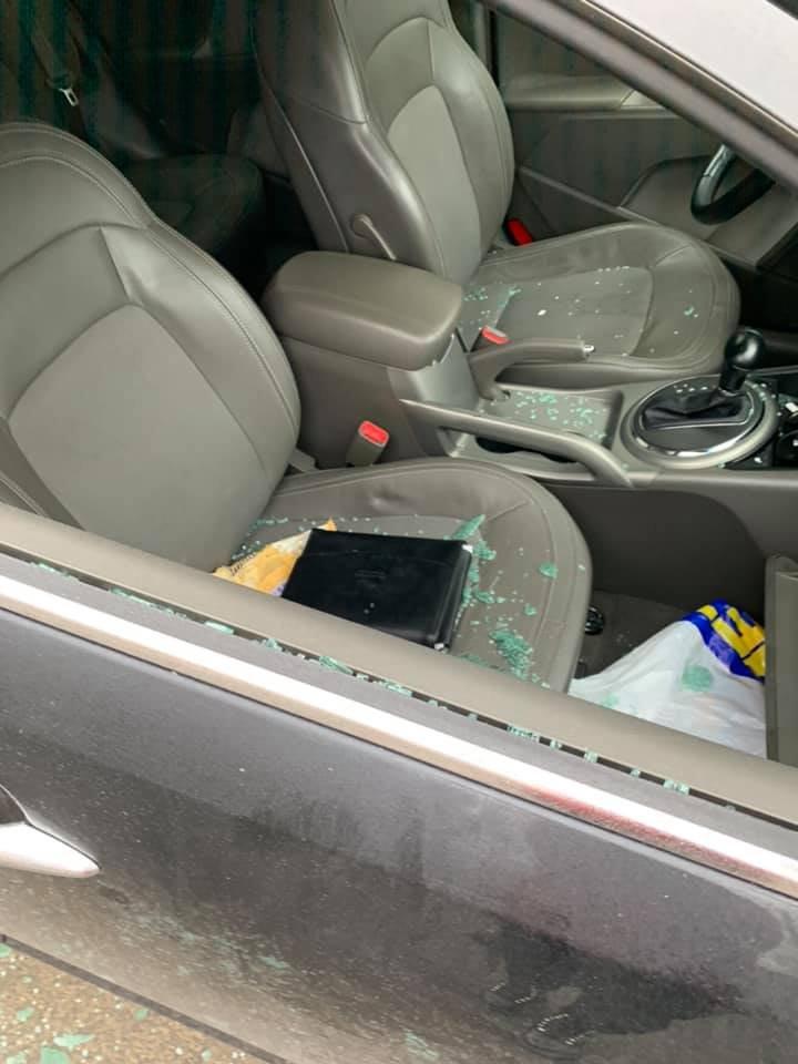 MESAJUL unei şoferiţe din Capitală pentru infractorii care i-au spart maşina (FOTO)